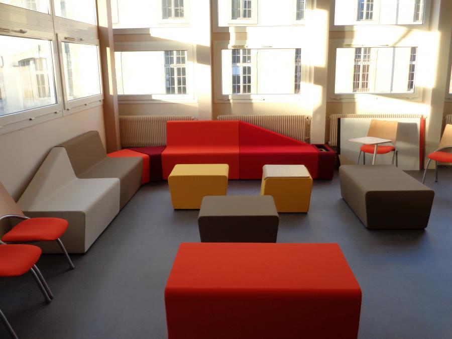 agencement bureau marne 51 fauteuils si ges bureau vitrines reims epernay ch lons en. Black Bedroom Furniture Sets. Home Design Ideas